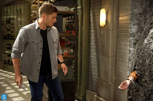 Supernatural - Episode 9.04 - Slumber Party - Promotional Photos (6)_595_slogo