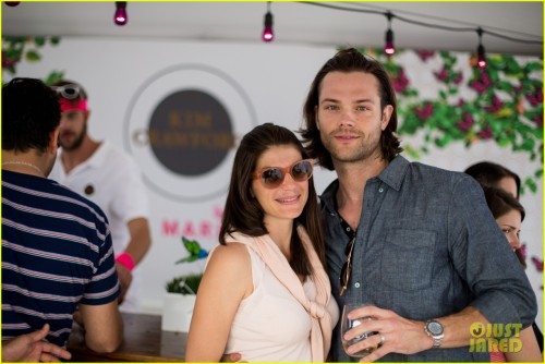 jared-padalecki-wife-genevieve-picture-perfect-couple-austin-food-festival-03