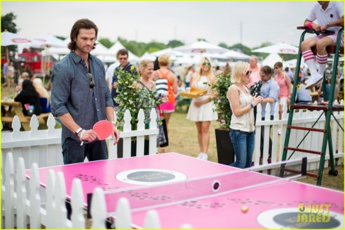 jared-padalecki-wife-genevieve-picture-perfect-couple-austin-food-festival-07