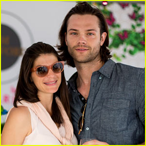 jared-padalecki-wife-genevieve-picture-perfect-couple-austin-food-festival