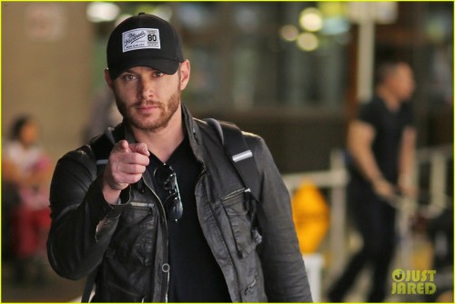 *EXCLUSIVE* Jensen Ackles arrives back in Vancouver **NO Canada**