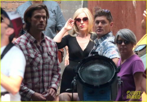 Exclusive... 51793693 Stars Jensen Ackles, Jared Padalecki and Ruth Connell filming a scene on the set of 'Supernatural' in Vancouver, Canada on July 8, 2015. This is the 11th season of the hit TV show. Stars Jensen Ackles, Jared Padalecki and Ruth Connell filming a scene on the set of 'Supernatural' in Vancouver, Canada on July 8, 2015. This is the 11th season of the hit TV show. Pictured: Ruth Connell, Jensen Ackles, Jared Padalecki FameFlynet, Inc - Beverly Hills, CA, USA - +1 (818) 307-4813