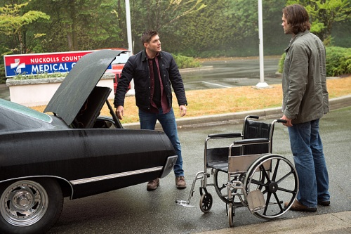 "Supernatural -- ""Out of the Darkness, Into the Fire""  -- Image SN1102B_0019.jpg -- Pictured (L-R): Jensen Ackles as Dean and Jared Padalecki as Sam -- Photo: Diyah Pera/The CW -- © 2015 The CW Network, LLC. All Rights Reserved."