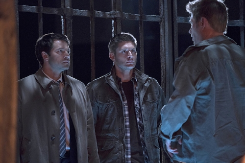 "Supernatural -- ""The Devil in The Details"" -- Image SN1110b_0014 -- Pictured (L-R): Misha Collins as Castiel, Jensen Ackles as Dean, and Mark Pellegrino as Lucifer -- Photo: Katie Yu/The CW -- © 2016 The CW Network, LLC. All Rights Reserved."